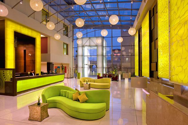 Traders Hotel Qaryat al Beri lobby