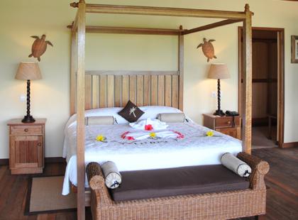 14807_7_Cerf_Island_bedroom.jpg