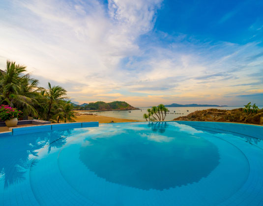 Avani Quy Nhon Resort & Spa - Shoreline pool