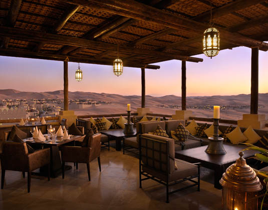 Qasr_Al_Sarab_-_Panoramic_Desert_Views_from_Suhail_Restaurant.jpg