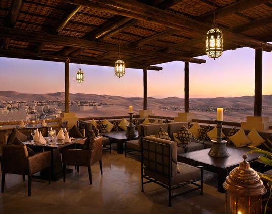 Qasr_Al_Sarab_-_Panoramic_Desert_Views_from_Suhail_Restaurant.jpg