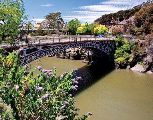 Cataract_Gorge,_Launceston.jpg