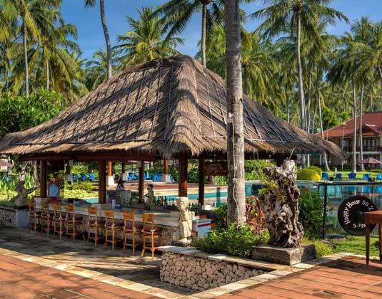 Holiday_Resort_Lombok_-_Pool_Bar.jpg