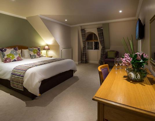 Hotel_de_France_-_Standard_Room.jpg