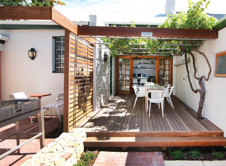 Camps_Bay_Stone_Cottages_-_Patio.jpg
