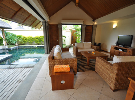 Oasis Villas 2 bedroom living area and pool