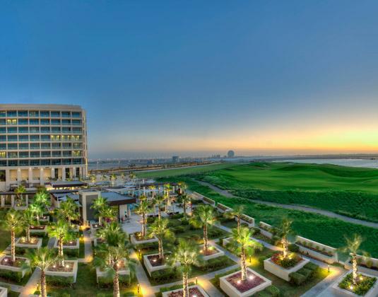 Crowne_Plaza_Abu_Dhabi_Yas_Island_-_Exterior.jpg