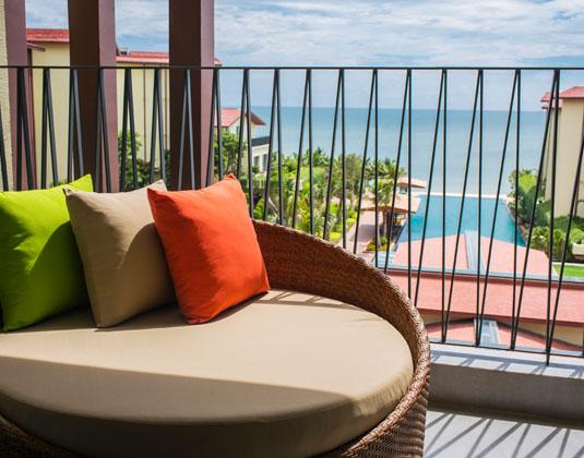 Dusit_Princess_Moonrise_Beach_Resort_-_Delux_OceanTwin.jpg