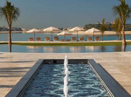 Waldorf-Astoria-Dubai-Palm-Jumeirah_pool-and-beach.jpg