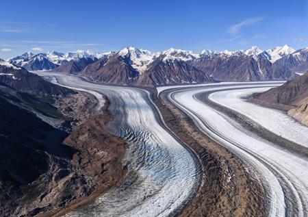Kaskawulsh_Glacier_in_Kluane_National_Park_shutterstock_724709506.jpg