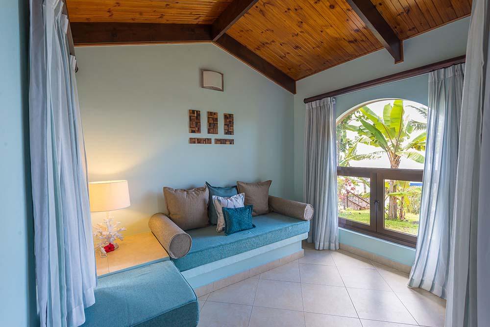 Coco_de_Mer_Standard_room_living_area_high_res-4.jpg