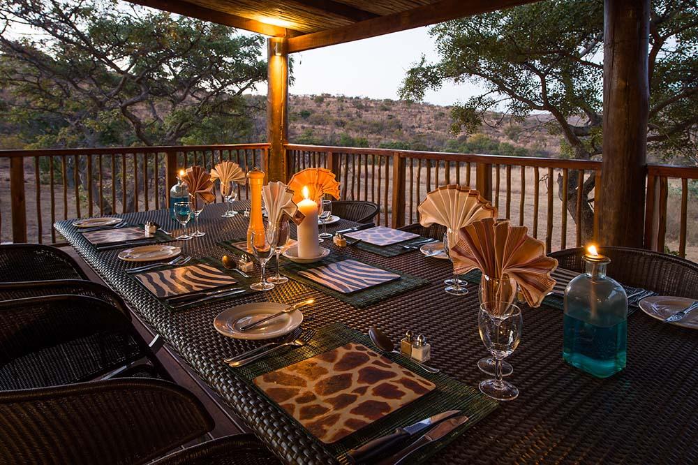 Welgevonden-Game-Reserve_ekuthuleni_outdoor-dining.jpg