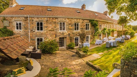 Bella_Luce_Hotel_Gin_Hotel_Guernsey_front_view_summer_web.jpg