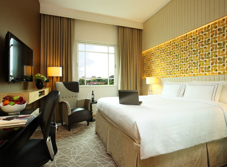 Rendezvous-Hotel-Singapore_Club-Room_Retro-1.jpg