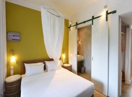 Veranda-Tamarin-privilege-room-2.jpg