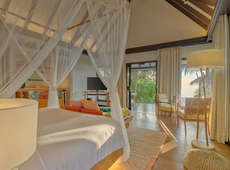 OZEN-LIFE-MAADHOO-Earth-Villa-with-Pool-Bedroom-View.jpg