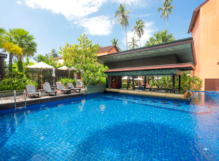 Patong-Merlin_Tropical-pool.jpg