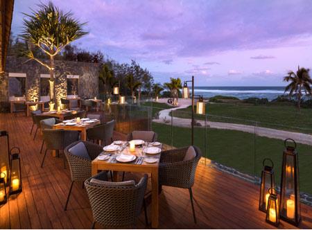 20200825050214pm_Anantara_Iko_Mauritius_Resort_And_Villas_Restaurant_Horizon_Deck_Sunset_View.jpg