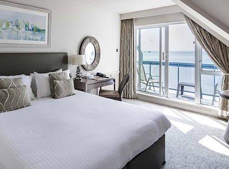 Golden-Sands_superior-sea-view-balcony-room-gallery-2019-1.jpg