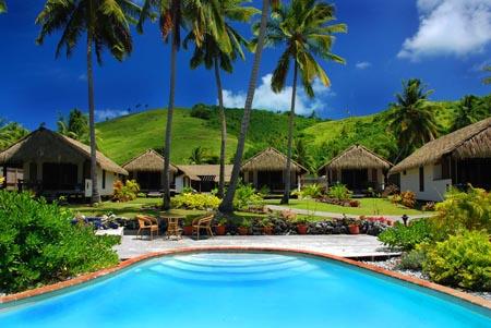 Tamanu-Beach-Resort_Aitutaki_pool.jpg