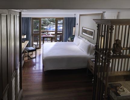 Santiburi_One-Bedroom-Duplex-Suite-Bedroom.jpg