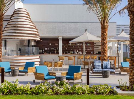Hilton-Abu-Dhabi-Yas-Island_Capila-Pool-Bar-and-Grill.jpg
