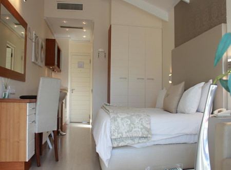 Harbour_House_Luxury_Room.jpg
