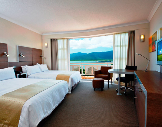 DoubleTree_by_Hilton_Cairns_-_Deluxe_Water_View_Room.jpg