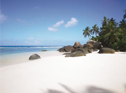Hilton_Seychelles_Labriz_Beach.jpg