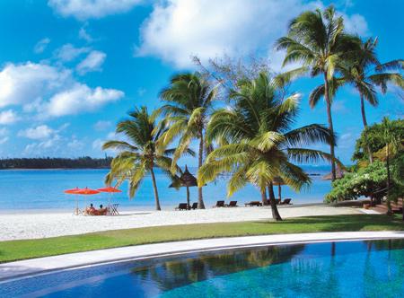 Constance-prince-maurice-beach-pool-1_hd.jpg