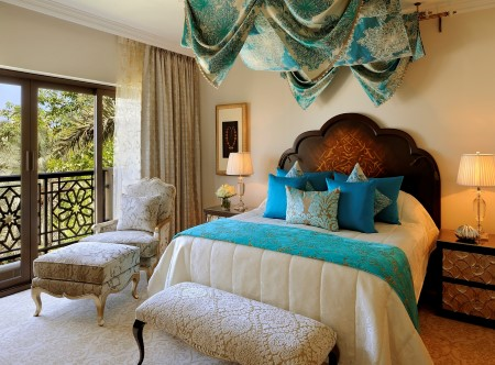 Executive_Suite_Master_Bedroom,_Arabian_Court,_One_and_Only_Royal_Mirage,_Dubai_2.JPG
