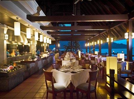 Pangkor_Laut_Resort_-_Fishermans_Cove_Restaurant.jpg