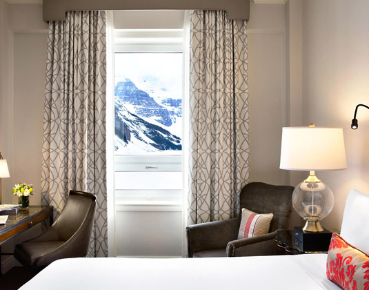 Fairmont Chateau Lake Louise - Fairmont Lake View Room