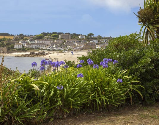 Porthcressa_Beach,_St_Marys,_Isles_of_Scilly.jpg