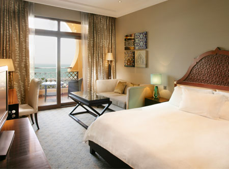 Hilton-Ras-Al-Khaimah_deluxe-sea-view-room.jpg