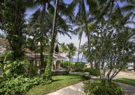 Santiburi_Deluxe-Beachfront-Villa-outside.jpg
