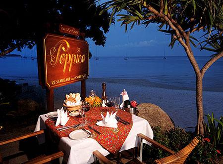 Poppies_Samui_-_Restaurant2.jpg