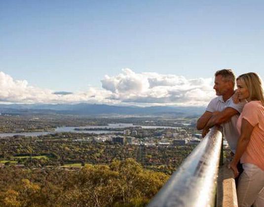Mt_Ainslie_Lookout_Canberra.jpg