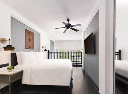 Jw-Marriott-Khao-Lak_duplex-studio-bedroom.jpg