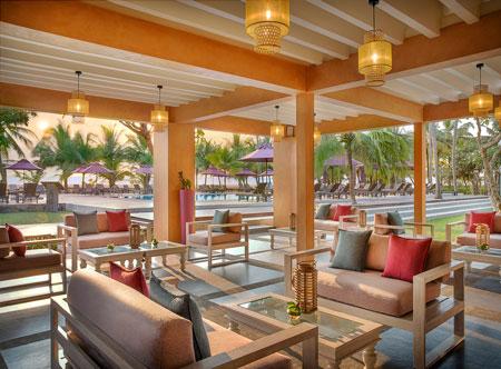 Avani-Kalutara-Resort-Miridiya-Pool-Bar.jpg