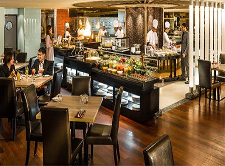 Parkroyal_Kuala_Lumpur_-_Chatz_Brasserie.jpg