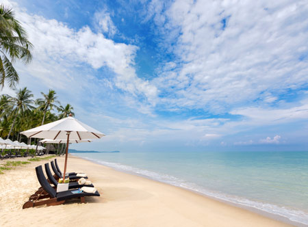JW-Marriott-Khao-Lak_beach-with-loungers.jpg