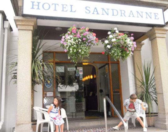 Sandranne_-_Entrance.jpg