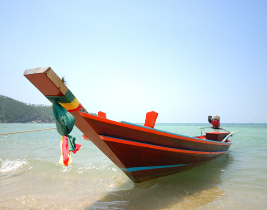 EAST_Long_tail_boat_at_Phangan_island.jpg