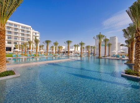 Hilton-Abu-Dhabi-Yas-Island_pool.jpg