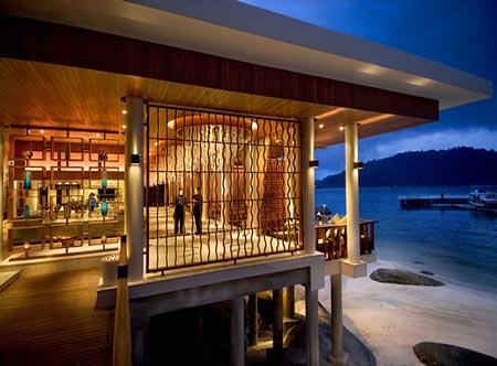 Pangkor_Laut_Resort_-_The_Straits_Restaurant.jpg
