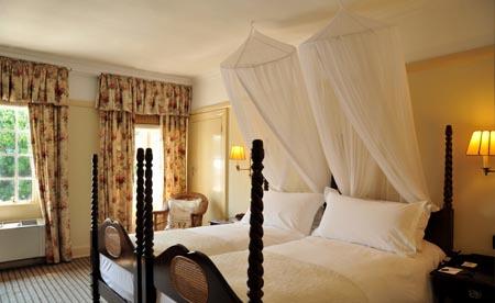 Victoria-Falls-Hotel_1-Standard-Room.jpg