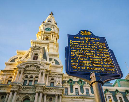 Philadelphias_landmark_historic_City_Hall.jpg