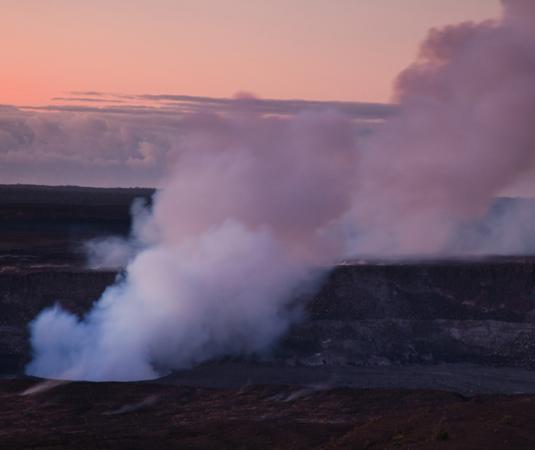 Halemaumau_Crater_in_early_Morning,_Big_Island.jpg