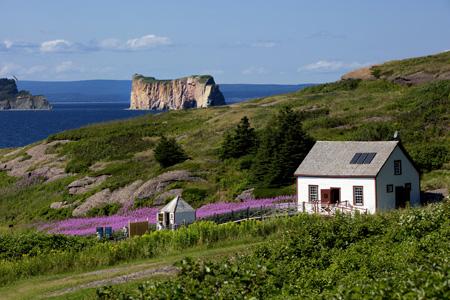 Rocher_Perce_from_Bonaventure_island_in_Perce,_Gaspesie_shutterstock_465701240.jpg